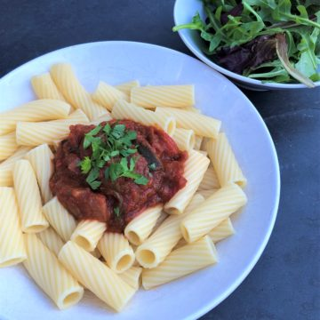 basic-tomato-pasta-sauce-tortelloni-salad