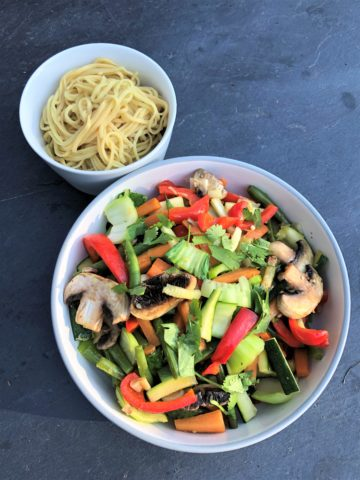 summer-vegetable-stir-fry-with-noodles
