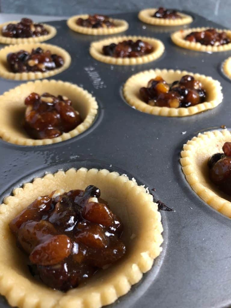 super quick mince pies pastry bottom filled mincemeat in tray