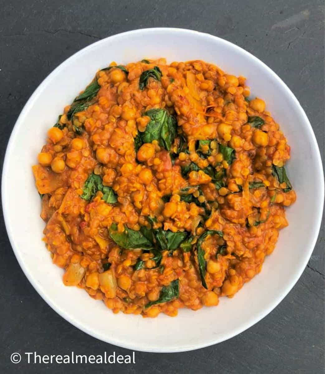 Chickpea lentil and spinach curry in a bowl